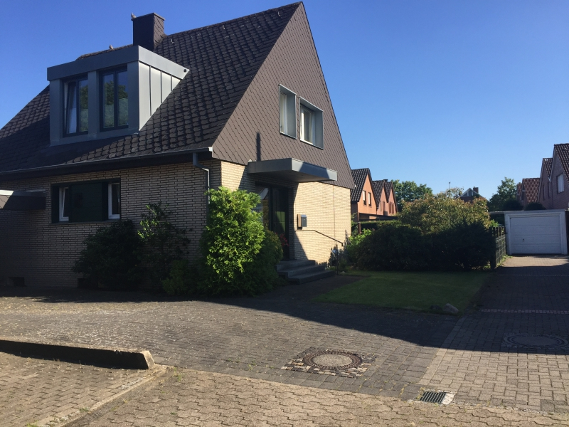 Vorschau-Bild für Einfamilienhaus mit Süd-/West-Ausrichtung auf einem traumhaften Grundstück!